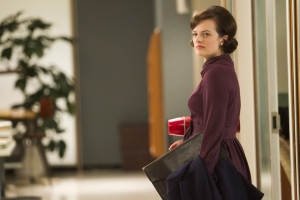 """Elisabeth Moss in MAD MEN - Season 5 - """"The Other Woman"""" 
