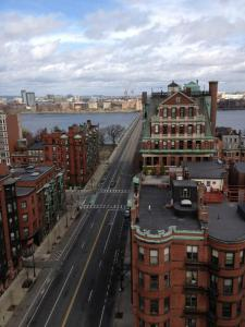 Mass Ave bridge from Cambridge to Boston: not business as usual